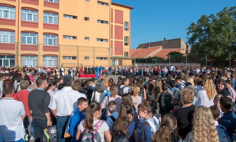 Început de an şcolar în Deta