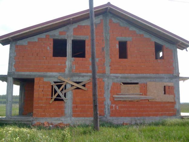 Anunt licitatie publica concesionare terenuri pentru constructia de locuinte.