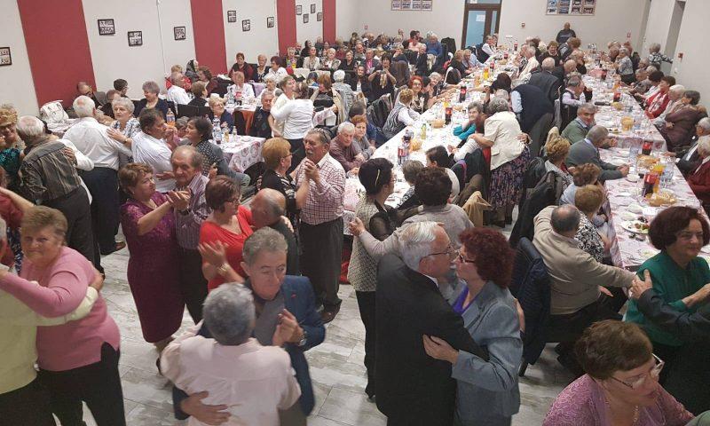 Seniorii din Deta s-au întâlnit din nou la tradiționalul bal al pensionarilor