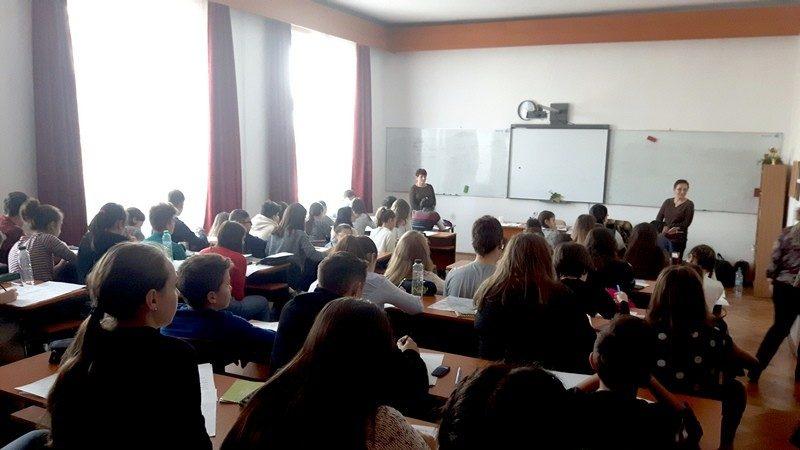 """Mare bucurie în inimile chimiștilor de la Liceul Tehnologic ,,Sf. Nicolae"""" Deta"""