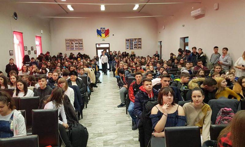 Elevii din Deta învață și ne reamintesc istoria României